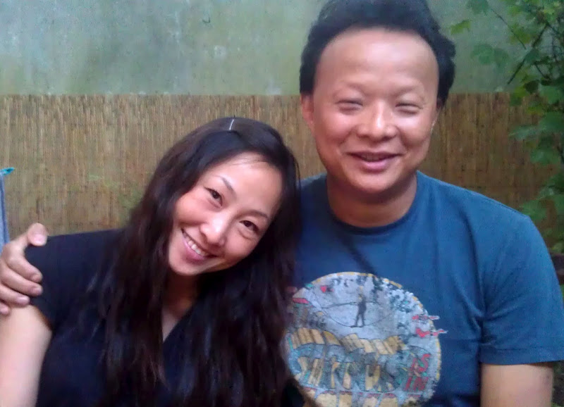 Lulu Und Wang-hashi in Hashi ...Mahlzeit